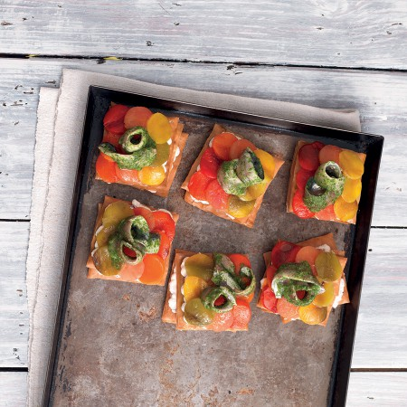 Mini Phyllo Dough Pizzas with Veggies and Sardines