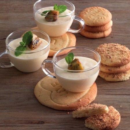 Vanilla Mousse with Biscotti