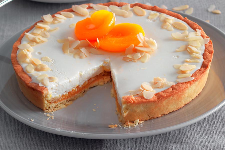 Apricot Cream Pie With Almonds