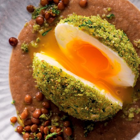 Breaded Eggs with Lentil Sauce