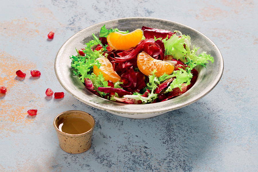 Flavorful Salad with Bresaola and Pomegranate