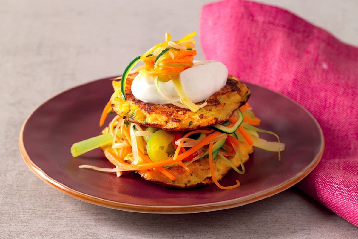 Brown Rice Cakes with Vegetables and Yogurt