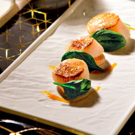 Scallops with Chestnuts, Spinach and Persimmon Sauce
